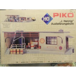 ** Piko 61106  J Hennig Delivery Office Plastic Kit Aged Parts.