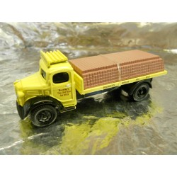 "** Classix EM76307  Austin K2 Flatbed  "" Buckleys Bricks "" with Brick Load."