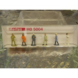 ** Merten 5004  HO Scale Passers-By.