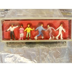 ** Preiser 10315 HO Scale Skaters