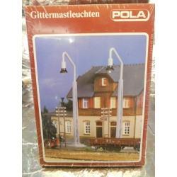 ** Pola 71 2 Girder-Type Street Lamps (14-19 Volts) and 6 Telegraph Poles Kit