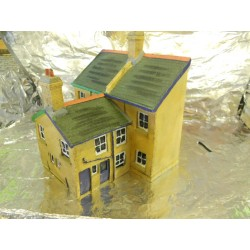 ** Scenix EM6005 Victorian Semis - Backs Half Profile