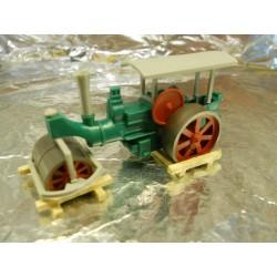 ** Heico 870805 Road Roller on 2 Wooden Frames TT / HOe / HO / OO