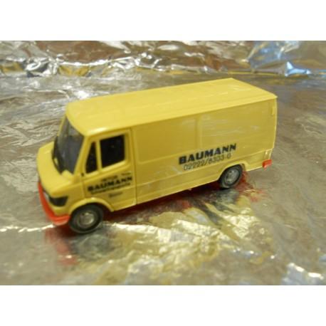 """** Herpa 903837  Mercedes-Benz 207 D """"Baumann""""."""