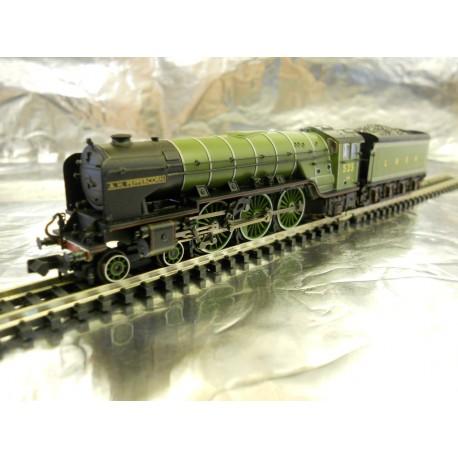 ** Graham Farish 372-385 Class A2 A H Peppercorn 525 LNER Apple Green