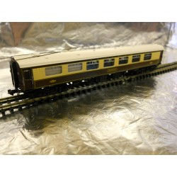** Graham Farish 374220D BR Mk1 Pullman FK First Kitchen Umber & Cream Robin
