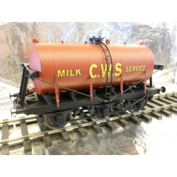 ** Dapol 7F-031-002 6-Wheel Milk Tank CWS Red