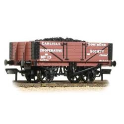 ** Bachmann 37-073 x 4 5 Plank Wagon Wooden Floor Carlisle Co-Op - with Wagon Load