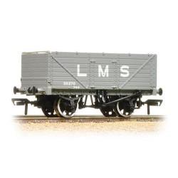 ** Bachmann 37-088 x 4 7 Plank End Door Wagon LMS Grey