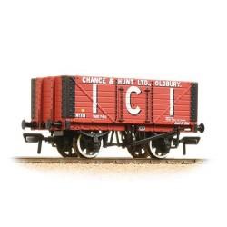 ** Bachmann 37-115 x 4 7 Plank Fixed End Wagon I.C.I. Chance & Hunt Ltd