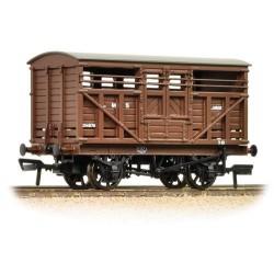** Bachmann 37-708A x 4 12 Ton LMS Cattle Wagon LMS Brown