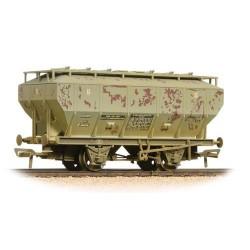 ** Bachmann 38-501A x 4 Covhop Wagon 'Soda Ash' Light Grey - Heavily Weathered