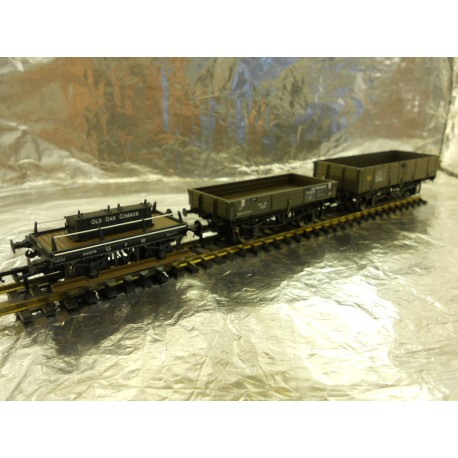 ** MDR Direct Offer IGK0001 - Bachmann 00 Wagons 1 x 12 Ton Pipe wagon - 1 x GWR Shunters Wagon - 1 x BR 3 plank Wagon