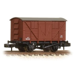 ** Graham Farish 373-741A x 2 10 Ton BR Meat Van BR Bauxite (Early)