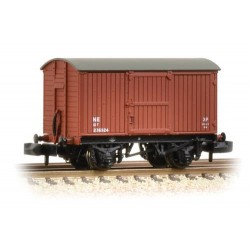** Graham Farish 377-975A x 2 12 Ton Eastern Ventilated Van Planked Ends LNER Oxide