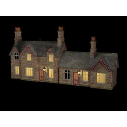 ** Bachmann 44-0082  x 1 Scenecraft Hampton Station Building w/Lights (Pre-Built)