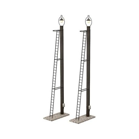 ** Bachmann 44-561 Scenecraft Wooden Post Yard Lamps 2pcs (Pre-Built)