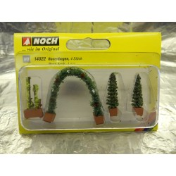 ** Noch 14022  Thuja (2) Rose and Rose Arch Ornamental Plants