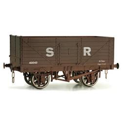 ** Dapol 7F-071-014W Weathered 7 Plank Wagon Southern Railway 40040