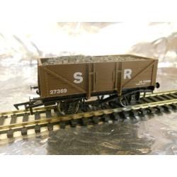 ** Dapol 4F-051-011 5 Plank Wagon SR 27369