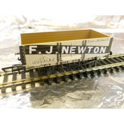 ** Oxford Rail OR76MW6003 6 Plank Wagon - FJ Newton