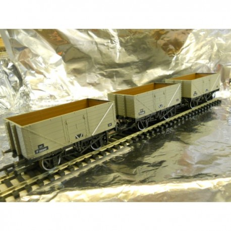 ** Oxford Rail 76MW7014  7 - Plank Mineral Wagon Set ( 3 ) - BR Grey