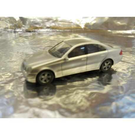 ** Herpa 033176 Mercedes Benz E-class, Metallic Silver