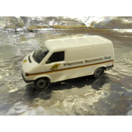 """** Herpa 045728  VW T 4 Transporter """"Warsteiner""""."""