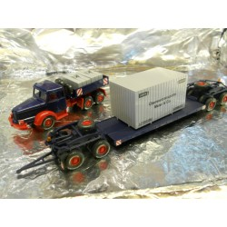 ** Wiking 08513649 Heavy Hauler with Low Loader Trailer and Cargo Load