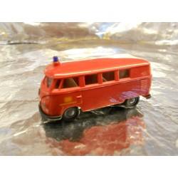 ** Brekina 32504 VW Minibus Red DB