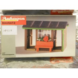 ** Auhagen 10337  Platform Barrier Hut Kit
