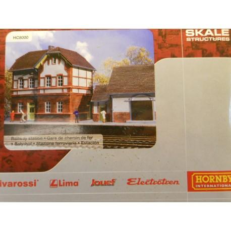 ** Hornby HC8000 German Style Railway Station Buldings Ready Built Model