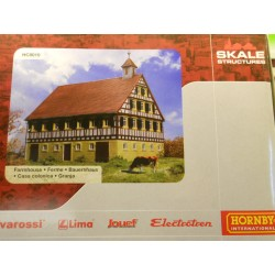** Hornby HC8010  Farmhouse.  Ready Built Model.