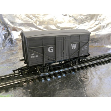 ** Dapol 4F-015-001 Fruit Mex Wagon GWR 38231