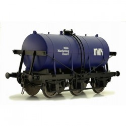 ** Dapol 7F-031-003 O Gauge 6 Wheel Milk Tanker Milk Marketing Board