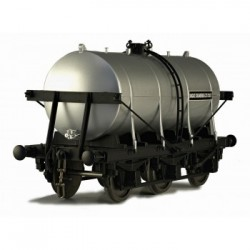 ** Dapol 7F-031-004 O Gauge 6 Wheel Milk Tanker United Creameries