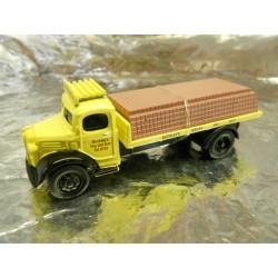 "** Classix EM76307  Austin K2 Flatbed  "" Buckleys Bricks "" with Brick Load."