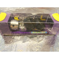 ** Scalextric C8409 Le Mans Pack Of 2 Hubs + Silicon Tyres.
