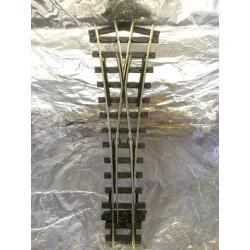 ** Peco SL-E597  Electrofrog Medium Radius Y Point  O-16.6 (Oe) Narrow Gauge
