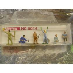 ** Merten 5014  HO scale  Gardeners  (Set 1)
