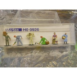 ** Merten 0926  HO scale  Harvest Workers.