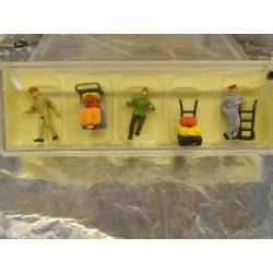 ** Vollmer 2245 HO Scale Porters with Trolleys