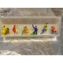 ** Fleischmann 6470 HO Scale Seated Passengers (12)
