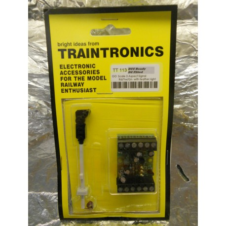 ** Traintronics TT113  3 Aspect Signal,  Red/Yellow/Green, with Feather Right, Complete with Interface Board.