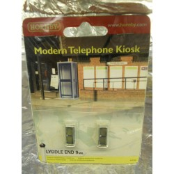 ** Hornby N8760 Lyddle End Modern Telephone Kiosk (2)