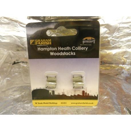 ** Graham Farish 42031  Hampton Heath Colliery  'Wood Stacks'