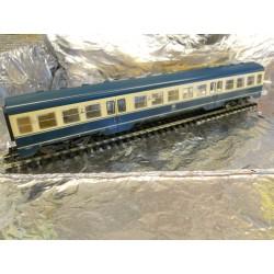 ** Fleischmann 4436  DB 914 Railcar Centre Coach