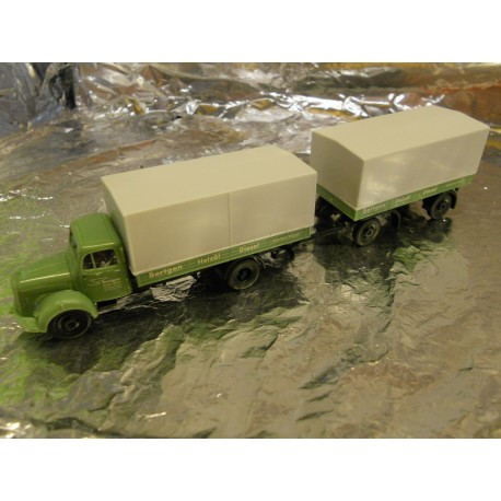 "** Herpa 298339  MB L311 Canvas Trailer  "" Bertgem """