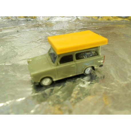 ** Herpa 024181 Trabant 601 S Universal with Roof top Tent (during driving operation)