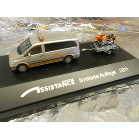 "** Herpa 905091  Mercedes-Benz Vito Bus with Trailer + Bike Load  ""Assistance"", PC."
